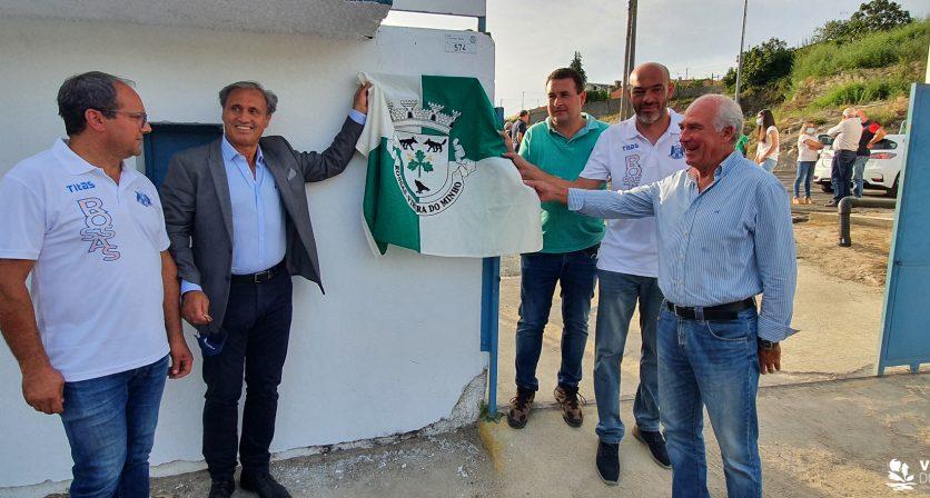 Colocação de relvado sintético no Campo de Futebol Francisco de Matos, na Vila de Rossas